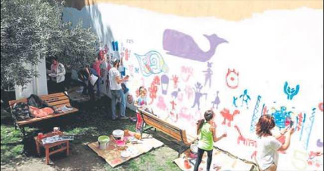 Duvarları hastalar için boyadılar