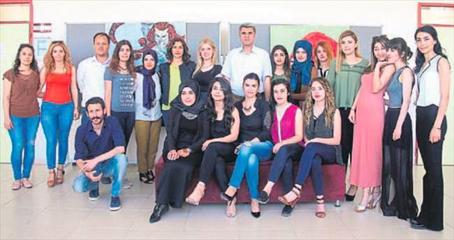 MKÜ'lü öğrenciler resim sergisi açtı
