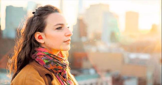 Simültane tercüme yapan kulaklık