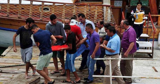 Turistleri taşıyan cip göle uçtu: 3 ölü, 9 yaralı