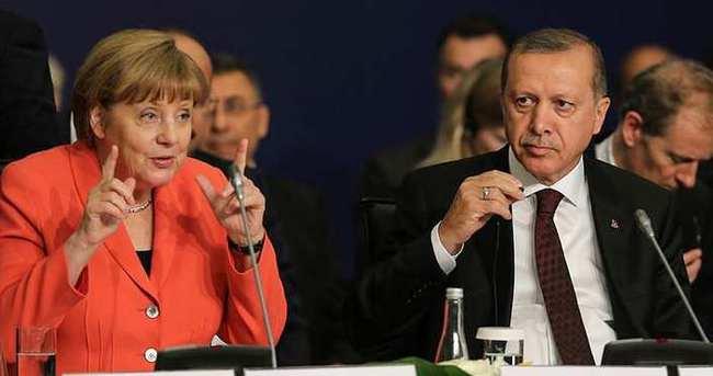 Merkel'den flaş vize açıklaması