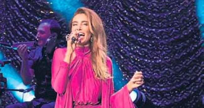 Sıla'nın ilk albüm konseri İzmir'de