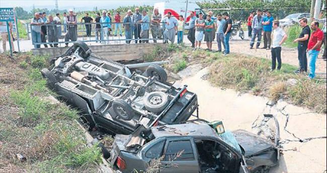 Mersin'de kaza: 2 ölü