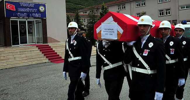 Kalp krizi geçiren polis memuru kaldırıldığı hastanede öldü