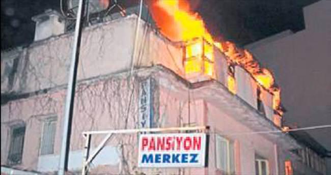 Pansiyon yangını müşterileri etkiledi