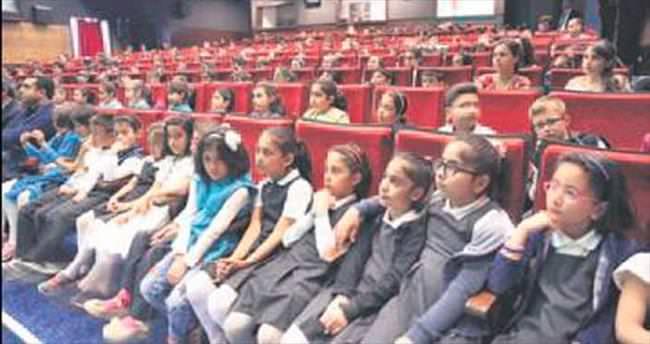 Gölbaşı'nda öğrencilere tiyatroyla çevre eğitimi