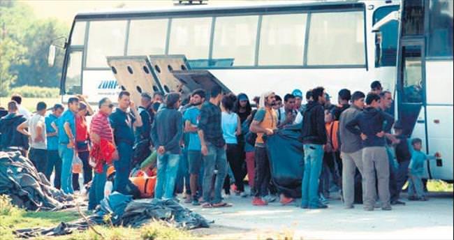 Yunanistan Idomeni'yi boşaltıyor