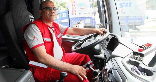 Yokuşta freni patlayan kamyonu durdurdu ilçenin kahramanı oldu