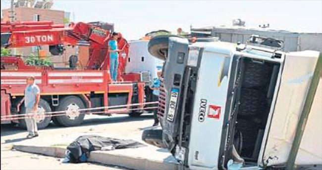 Tarsus'ta trafik kazası: 2 ölü, 1'i ağır 2 yaralı