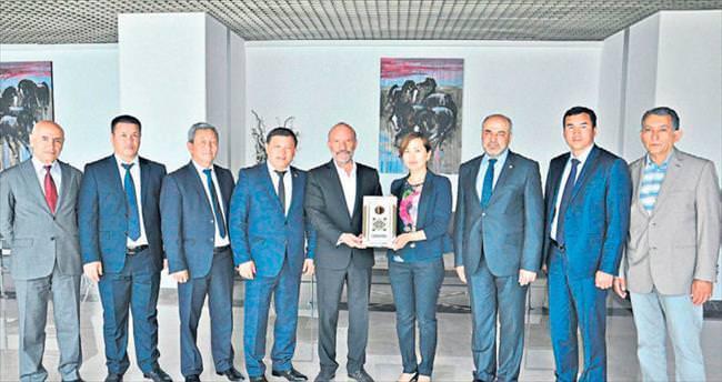 Kırgızistan Parlamentosu Dr. Günsel'e konuk oldu