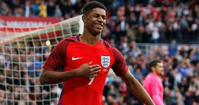 İngiltere kazandı Rashford rekor kırdı