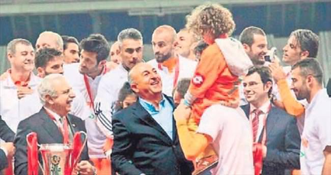 Dışişleri Bakanı Mevlüt Çavuşoğlu çok mutlu