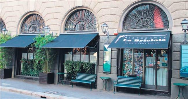 Türkler'in yazı tahtasına çevirdiği İtalyan restoranı