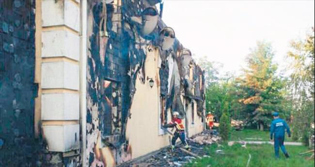 Huzur evinde şüpheli yangın: 17 ölü