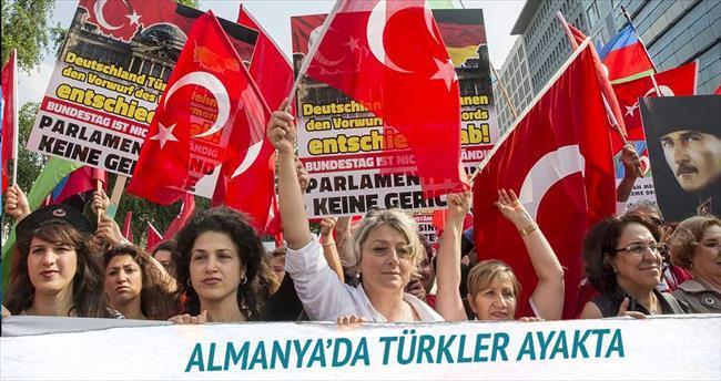 Türkler ayakta