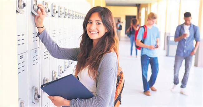 Zorunlu eğitim okullaşma oranını artırdı