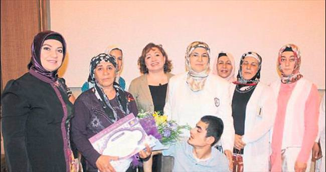 Mersin'de AK Kadınlar seminerde buluştu