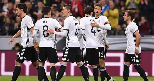 Podolski ve Gomez EURO 2016 kadrosunda