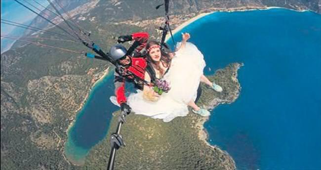 Evlenip uçtular