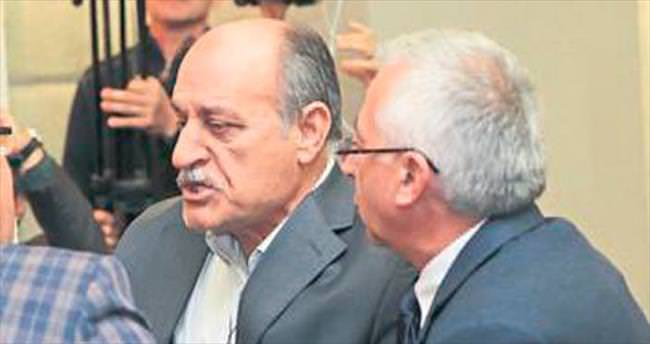 CHP'de 'uyarı' krizi
