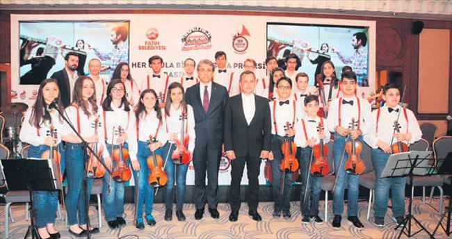275 öğrenci müzik eğitimi almaya başladı