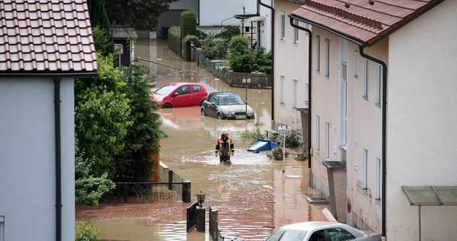 Almanya'da sel: 5 ölü