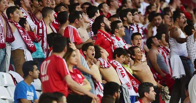 Antalyaspor'da kombine şoku!