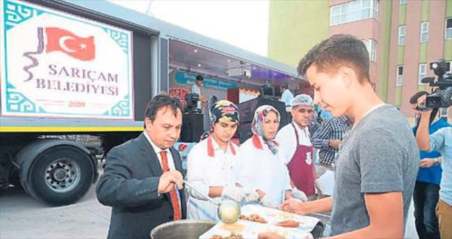Sarıçam'da mahallelerde iftar geleneği sürüyor