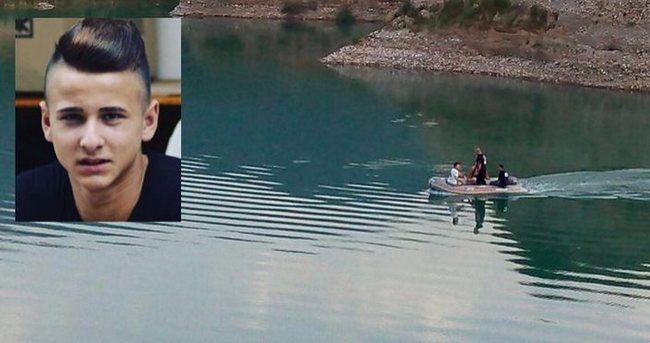Serinlemek için girdiği gölette kayboldu