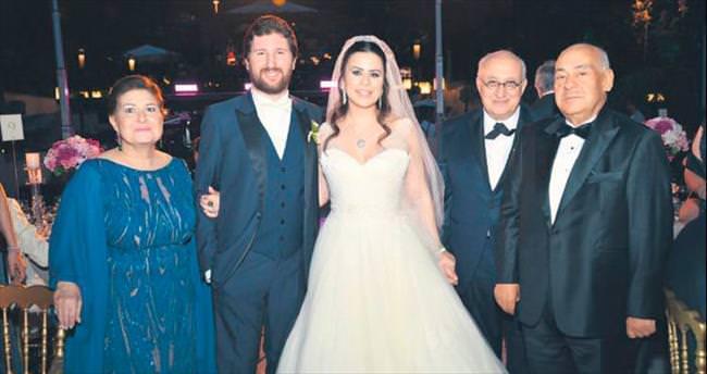 Yazın ilk günü evlendiler