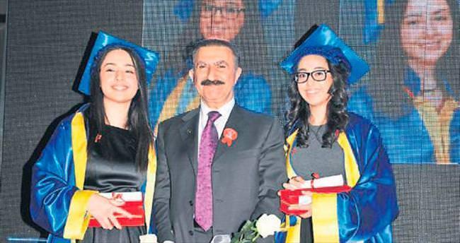 Final Okulları'nda mezuniyet gururu