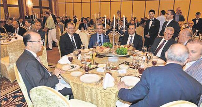 Vali Türker'e veda yemeği