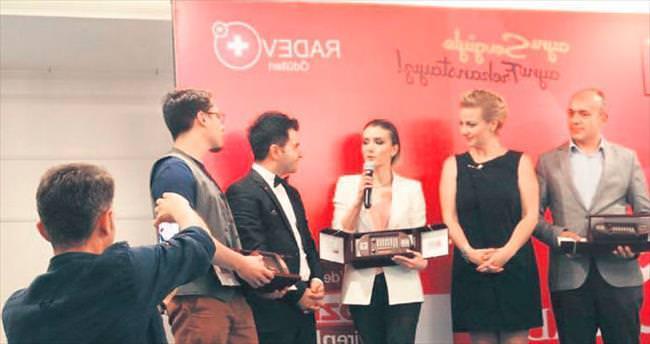 RADEV'den Altınışık'a yılın ödülü