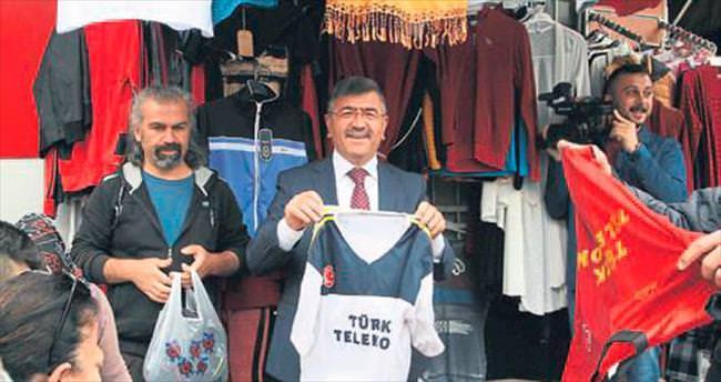 Başkan Akdoğan çarşı pazar gezisinde