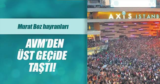 Murat Boz hayranları AVM'den üst geçide taştı!