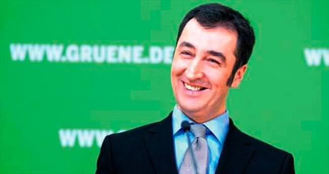 11 Türk asıllı vekil hakkında suç duyurusu