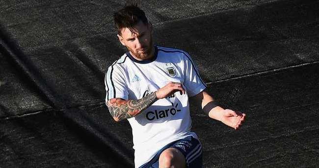 Maradona: Messi lider olabilecek karaktere sahip değil