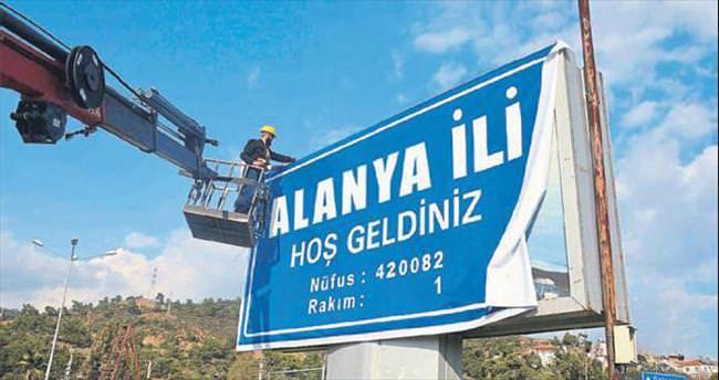 Alanya 'il' dedi ilçeler reddetti