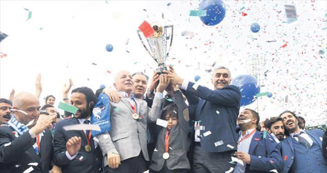 2'nci Lig'e yükselen B.B. Erzurumspor 'şampiyonluk' diyor