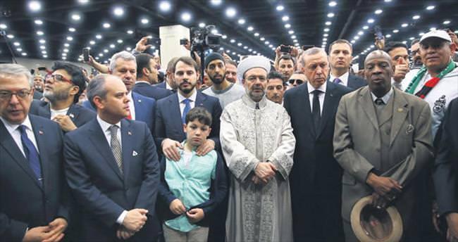 Cenazesi Müslüman dünyasını buluşturdu
