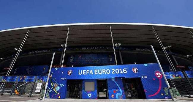 EURO 2016'nın açılış maçına saatler kala şok gelişme