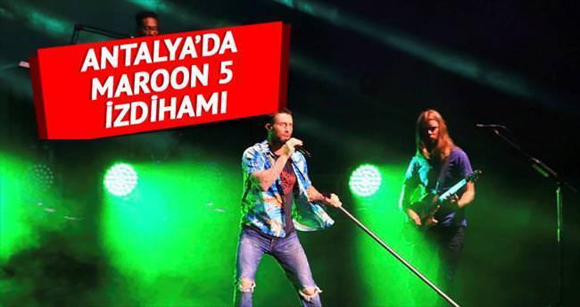 Maroon 5 izdiham