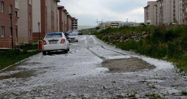 Ardahan'a fındık büyüklüğünde dolu yağdı