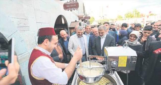 Ramazan Sokağı törenle açıldı