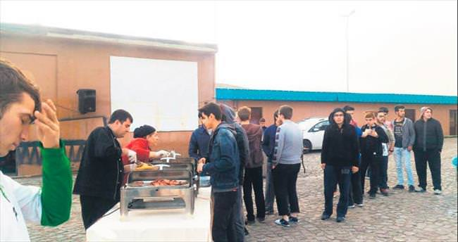 Erciyes'te sucuk partilerine devam
