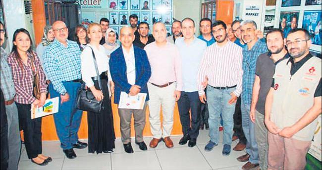 Adana Dosteller Sunar ile el ele