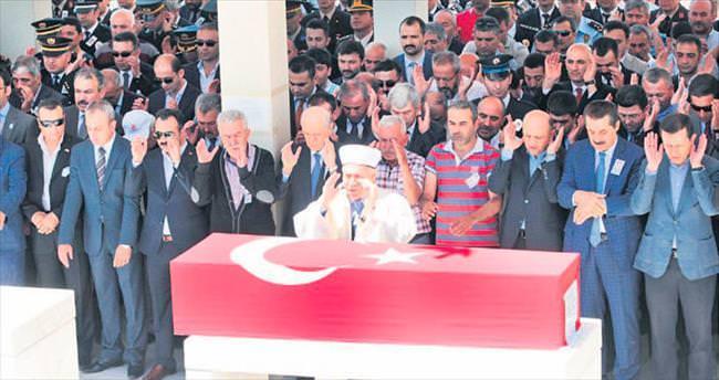 Ankaralı şehit polis son yolcuğuna uğurlandı