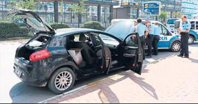 Çalıntı plakalı araç polisten kaçamadı