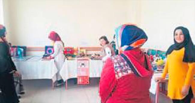 Pursaklar'da kadınlar el emeği ürünlerini sergiledi