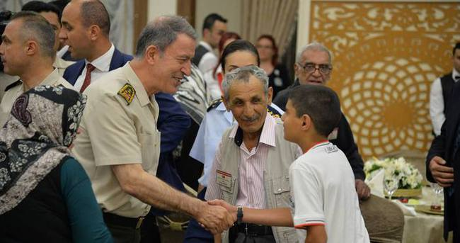 Genelkurmay Başkanı şehit ailelerine iftar yemeği verdi
